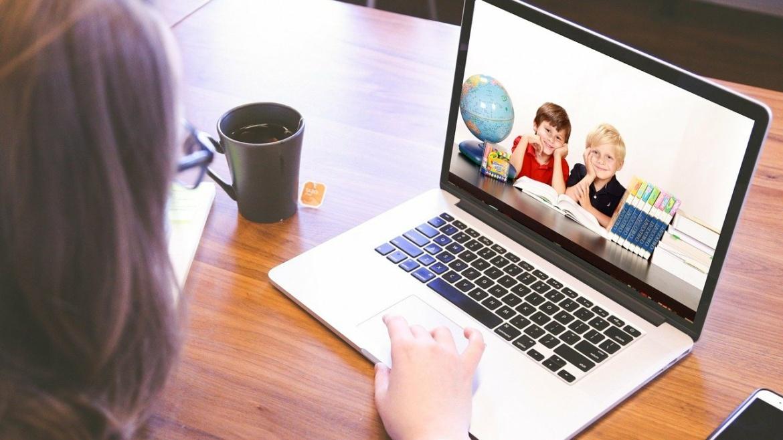 Nauczanie online.